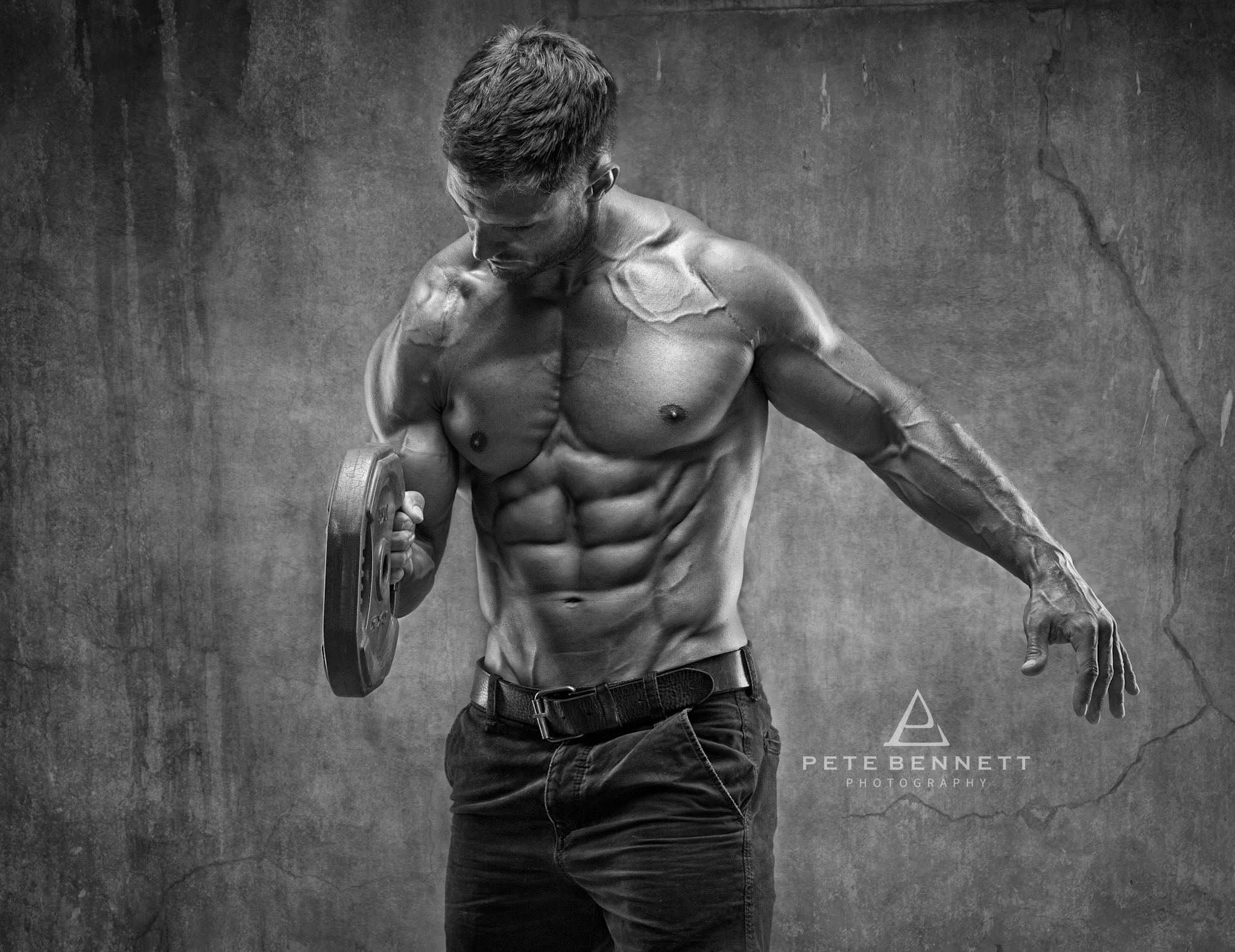 Dean Burchell fitness photo shoot abs and chest photo
